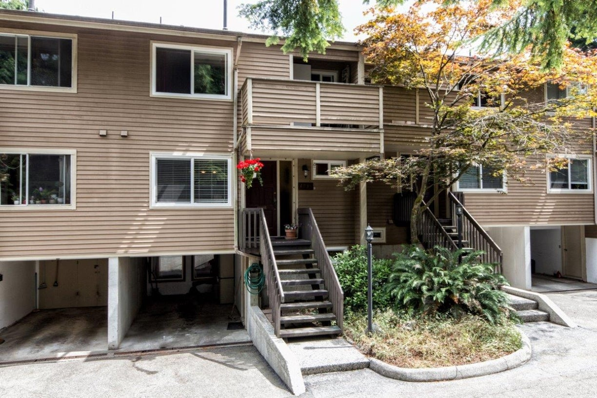 4735 Hoskins Road - Lynn Valley Townhouse for sale, 3 Bedrooms (V1135596) #1