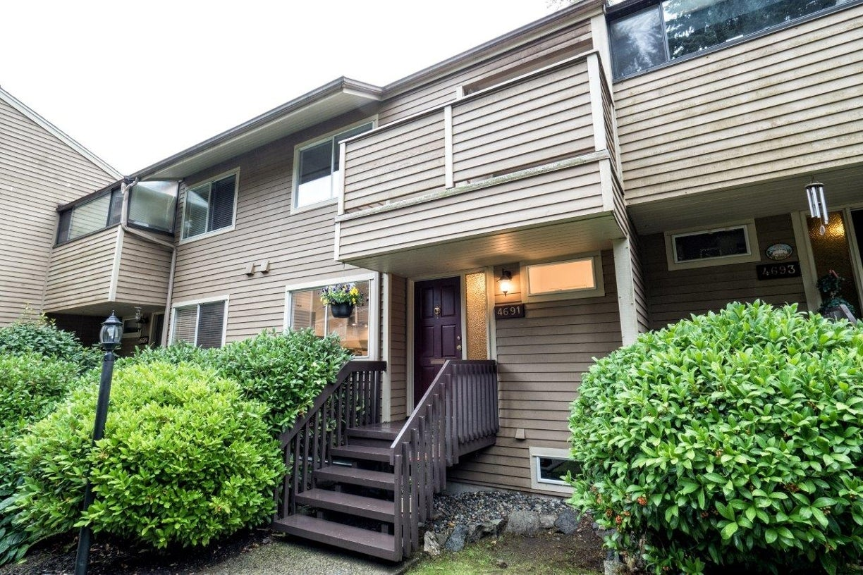 4691 Hoskins Road - Lynn Valley Townhouse for sale, 3 Bedrooms (V1142690) #1